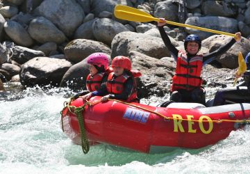 Family rafting 6